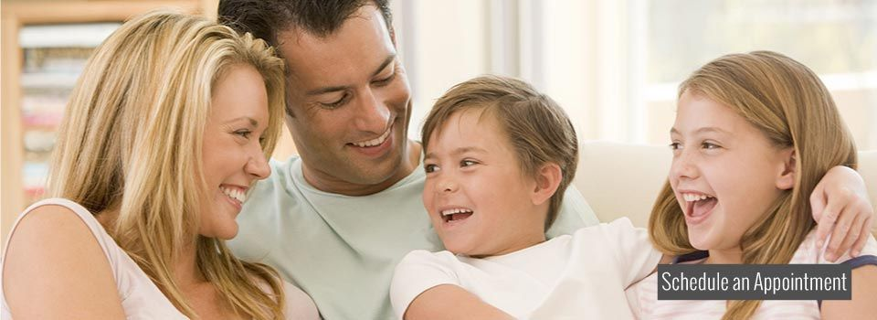 Smiling family | Schedule an appointment